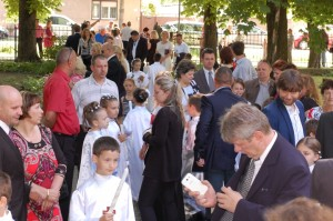 2014_05_25 - Prve svate prijimanie Luzna - 027