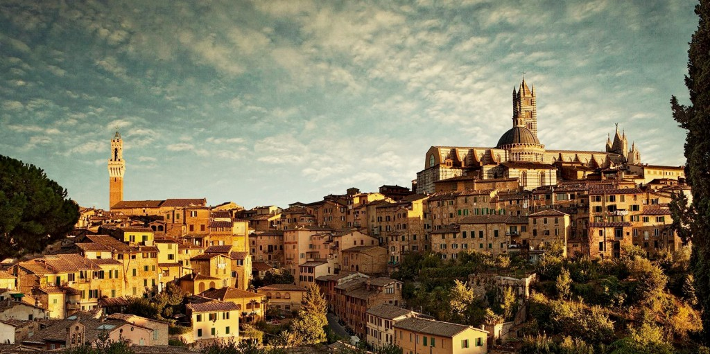 World___Italy_Panorama_of_the_city_of_Siena__Italy_063534__Fotor