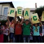 """""""Milión detí sa modlí ruženec za pokoj vo svete"""""""