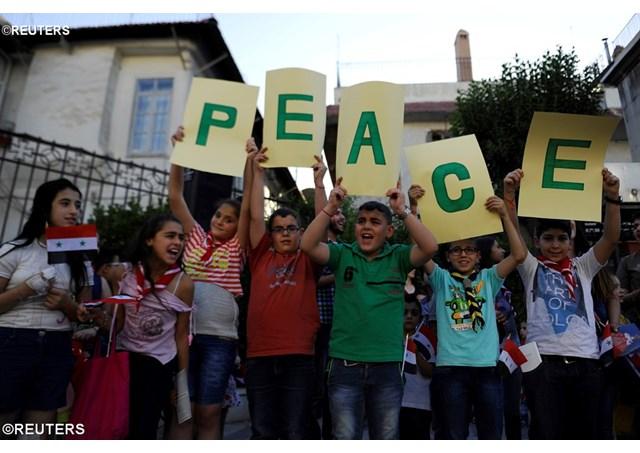 Milión detí na celom svete sa modlí ruženec za pokoj v Sýrii